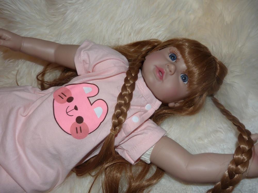 Realistická panenka 600